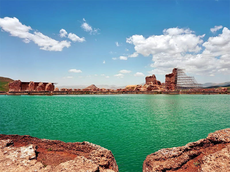Takht-e-Soleyman-Lake - places to visit in Iran