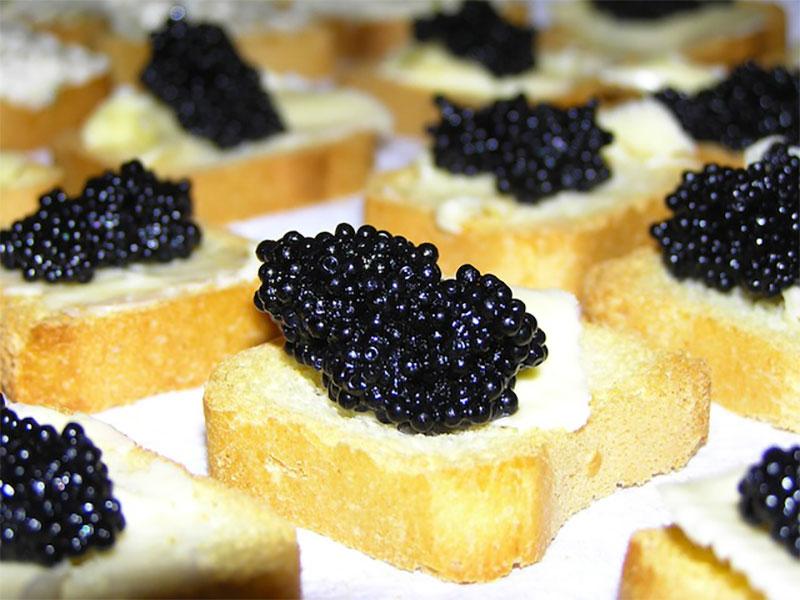 Iranian top Souvenirs: caviar